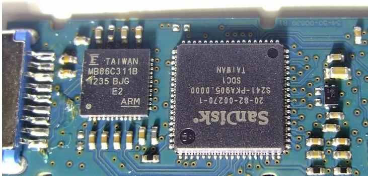 闪迪至尊极速CZ80 32G USB3.0 U盘拆解、测速-U盘之家